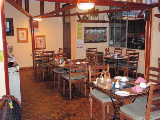 Kenya Comfort Hotel Suites: The restaurant downstairs