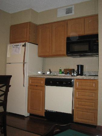 Homewood Suites by Hilton Atlanta-Peachtree Corners/Norcross: Kitchen Area