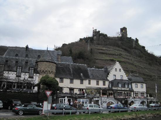 Ferienresort Cochem: Beilstein and castle ruins