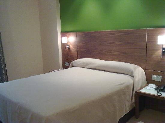 Sercotel Hotel Gran Bilbao: cama de 1,50