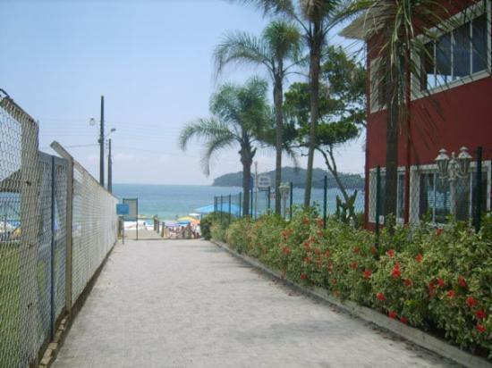 Llegando a la playa de Bombinhas.
