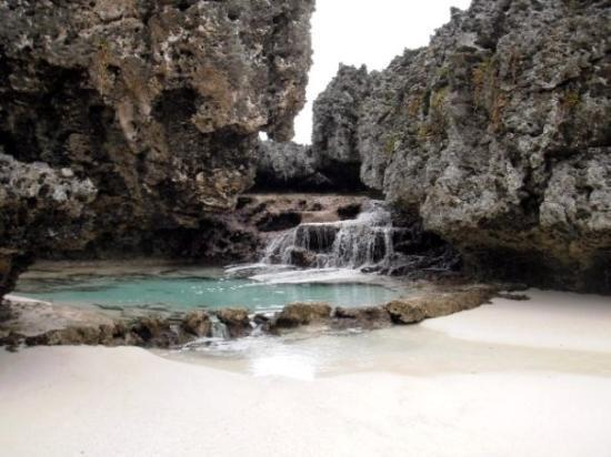 Mare, Nowa Kaledonia: Cascade d'eau de mer
