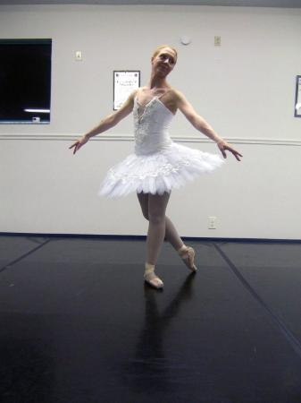 Vero Beach, FL: First time in a tutu and Pointe Shoes...not too sure about doing this...