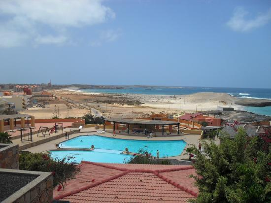 Marine Club Beach Resort: panorama e piscina vista dalla mia camera
