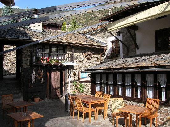 Hotel Restaurant Can Borrell: Terrasse