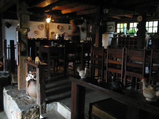 São Gonçalo do Rio das Pedras, MG: dining room