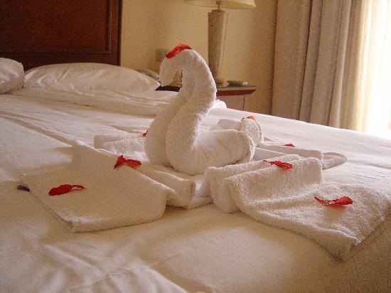 Jaz Almaza Beach Resort : Towel origami