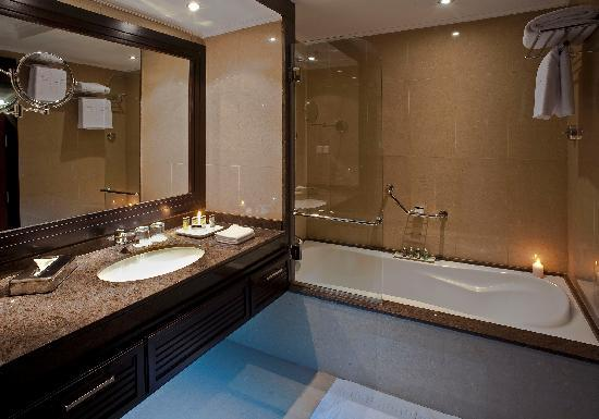 Stella Di Mare Beach Hotel & Spa: Bath Room
