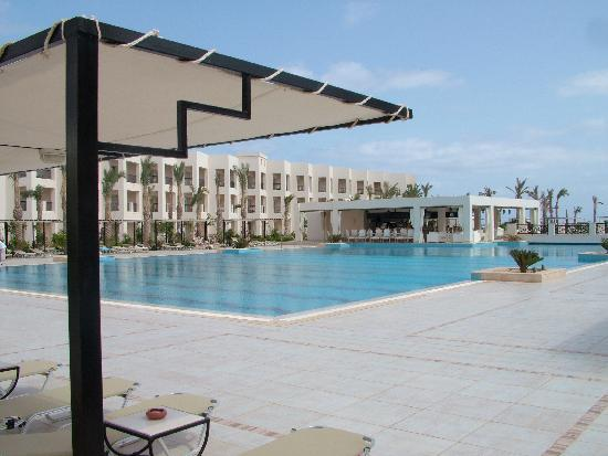 Jaz Crystal Resort: Pool Side