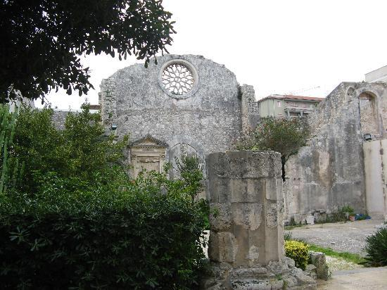 Chiesa di San Giovanni alle Catacombe: Remains of church of San Giovanni