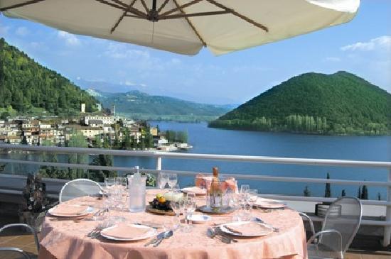 Lago di Piediluco visto dalla Terrazza Belvedere dell'Hotel del Lago Piediluco