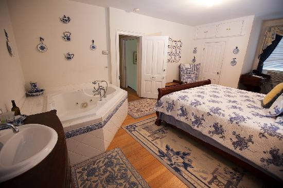 Inn on Poplar Hill: Our rooms are decorated with comfort in mind.