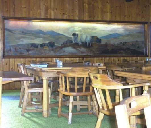 East Glacier Park, MT: Bison Creek Dining Room