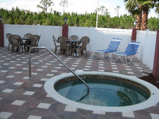 La Quinta Inn & Suites Ormond Beach/Daytona Beach: Hot tub