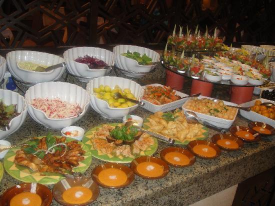 Jaz Almaza Beach Resort : Fabulous food, extensive choice