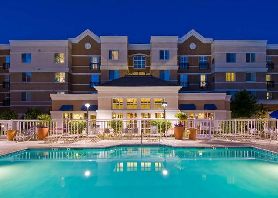 HYATT house Pleasant Hill: Hotel Pool