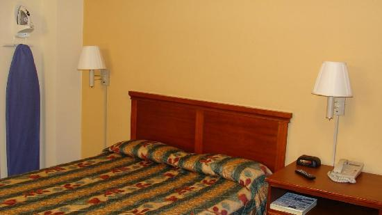 Excel Inn & Suites: 1 Bed