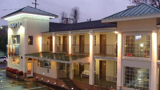 Excel Inn Suites Hotel
