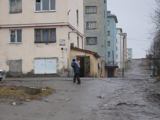 Murmansk, Russland: Slums