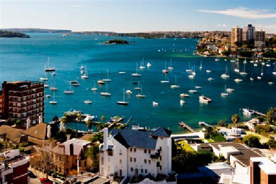 Macleay Hotel: View of Sydney Harbour from your apartment
