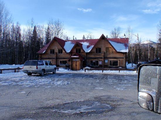 Liard Hot Springs Lodge: The Lodge Easter Weekend