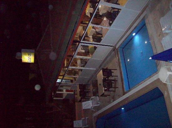 Hotel Sunberk: Restaurant und Bar vom Balkon aus