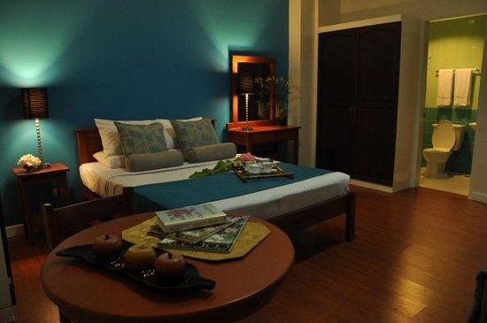 Legaspi Suites: Deluxe Room