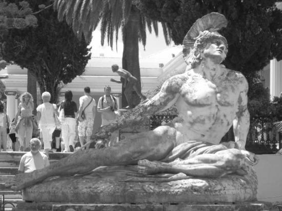 Sidari, Greece: Achillies heel statue
