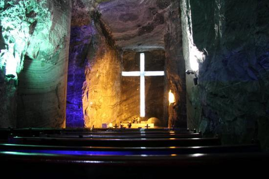 Zipaquiras saltkatedral: This is the main hall in the Salt Cathedral of Zipaquira, which is a town about 1.5hours bus rid