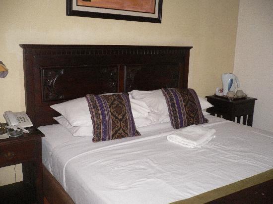 Cendana Hotel: deluxe room