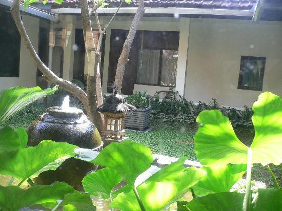 Cendana Hotel: courtyard