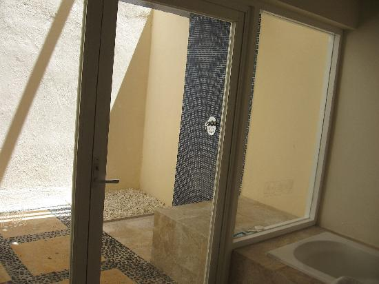 Presidente Inter-Continental Cozumel Resort & Spa: Bathroom3