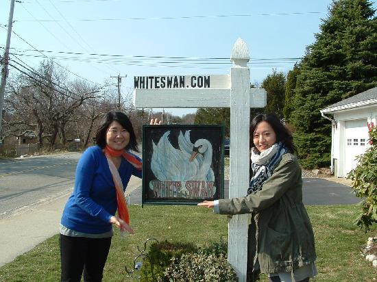 White Swan Bed and Breakfast: We love this place!