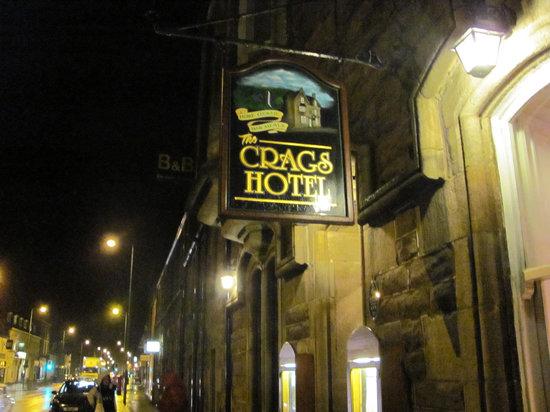 Crags Hotel Restaurant: Sign outside