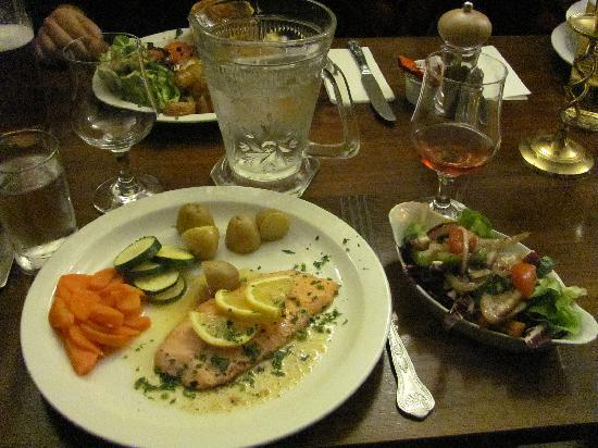 Crags Hotel Restaurant: Trossachs Trout