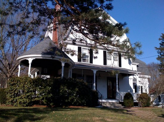 1888 Guest Home, 326 Lexington St, Waltham MA