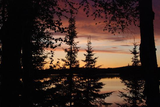 Wabatongushi Lake, Kanada: sunrise from our dock