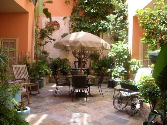 The Saint Philip Hotel: courtyard