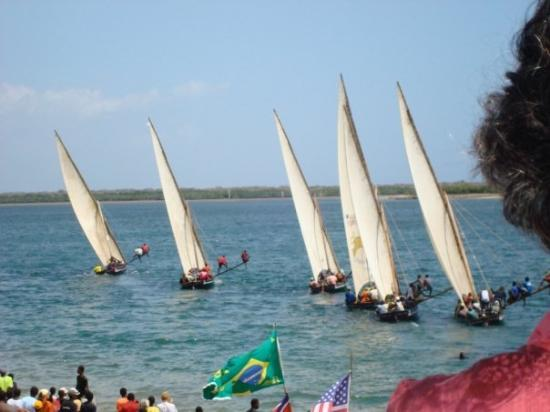 Lamu, Kenya: the race is off....