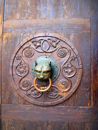 Augsburg, Jerman: Door knocker at Augsbourg Church