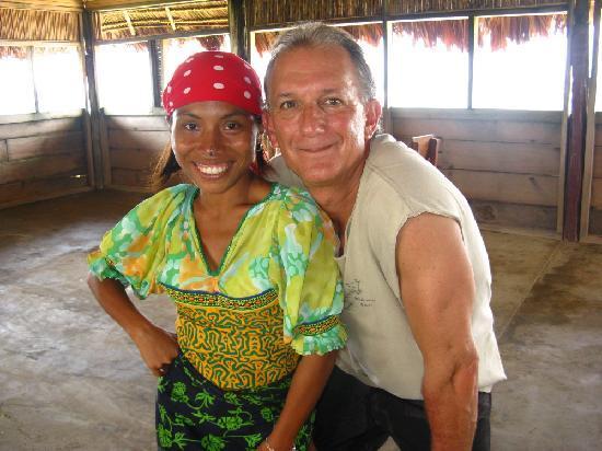 Dolphin Lodge Uaguinega : Staff member at the lodge