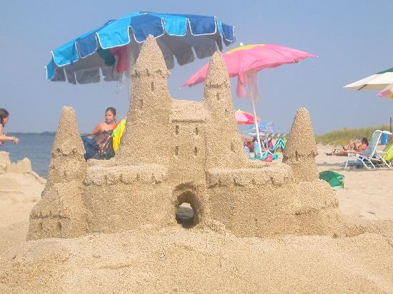Lewes Beach: umbrellas, castles, and kids!