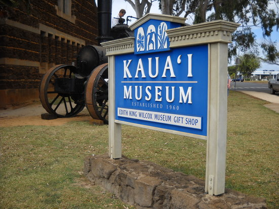 Kauai Museum: sign out front