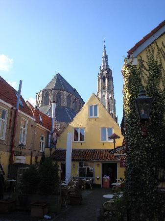 Hotel de Emauspoort: Courtyard and view of the New Church (Nieuwe Kerk)
