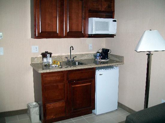 Holiday Inn Express & Suites Tipp City: Kitchenette