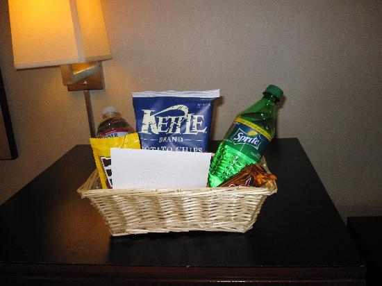 Hampton Inn Santa Barbara/Goleta: Welcome Basket!
