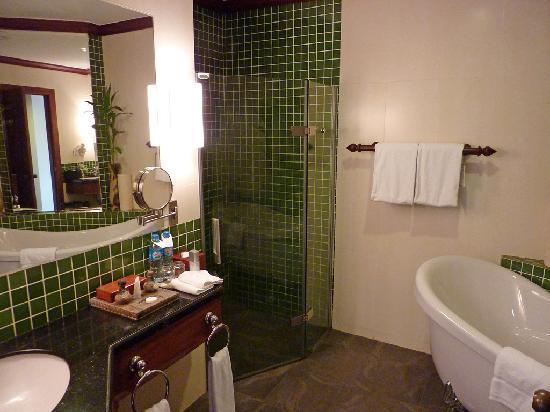 Borei Angkor Resort & Spa : Bathroom
