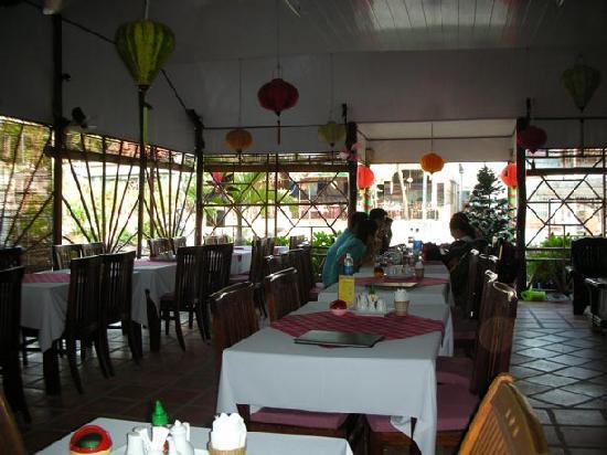 Hoang Kim Golden: Dinning room