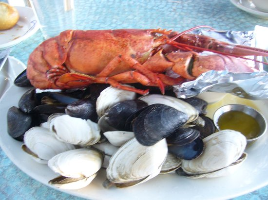 Legal Sea Foods: Lobster Good, but Scallop Clams not Eateable cos having Sand