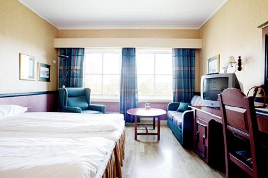 Roeros Hotel: Room